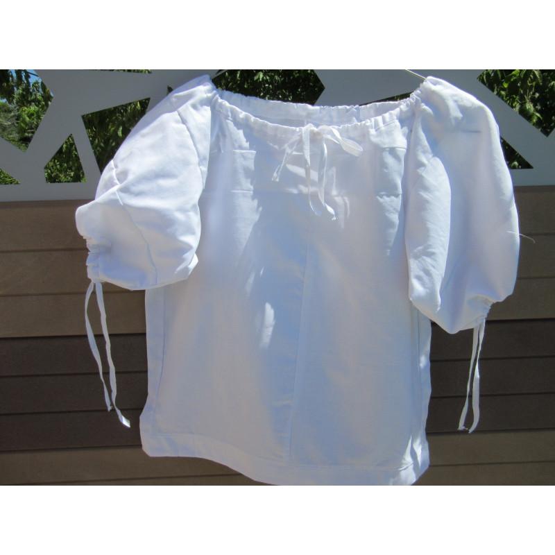 Chemise provençale en coton blanc pour petite fille