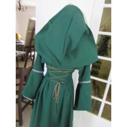 Robe à lacets et capuches bords à galons