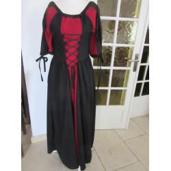 Robe rouge et noir en coton léger