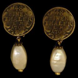Boucles pièce ancienne perle baroque