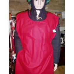Tunique en coton, fendue sur le devant, avec galons