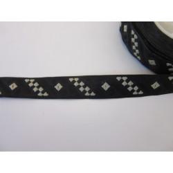 galon fin noir adapté vêtements style viking