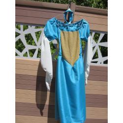 Location : Robe en taffetas bleu