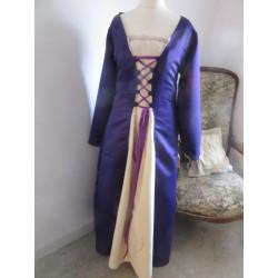 Robe Violette et champagne